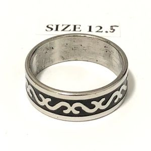 Ring, with Pattern Design, Size 12.5